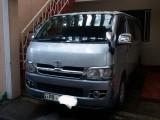 Toyota Hiace TRH 2004 Van