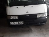 Nissan Caravan 2000 Van