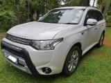 Mitsubishi Outlander PHEV 2014 Car