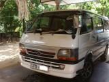 Toyota dolpine 172 2000 Van