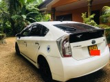 Toyota Prius G grade 2014 Car